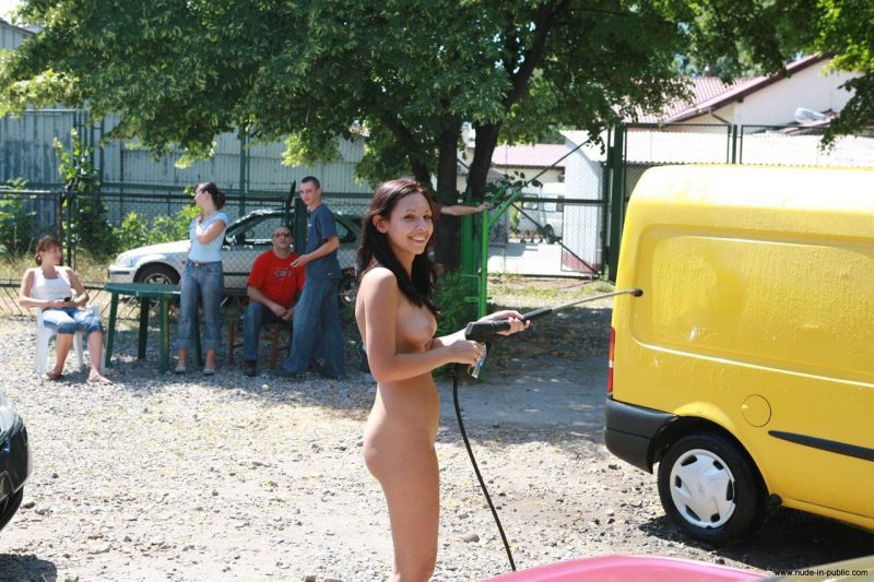 justyna-naked-car-wash-nude-in-public-36