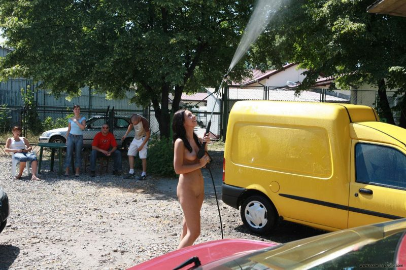 justyna-naked-car-wash-nude-in-public-37