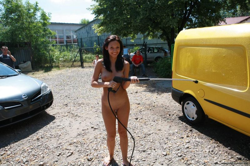 justyna-naked-car-wash-nude-in-public-40