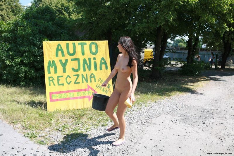 justyna-naked-car-wash-nude-in-public-50