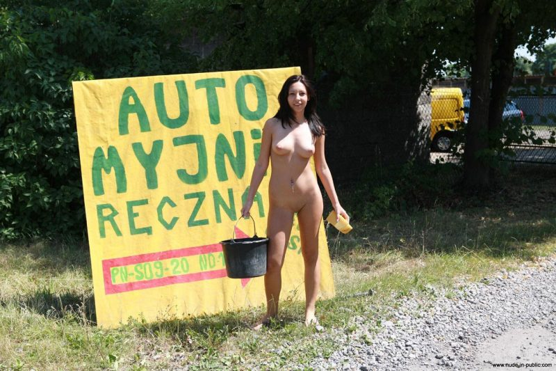 justyna-naked-car-wash-nude-in-public-51