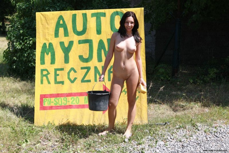 justyna-naked-car-wash-nude-in-public-52