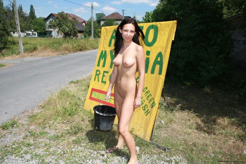 justyna-naked-car-wash-nude-in-public-57