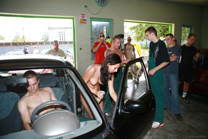 justyna-naked-car-wash-nude-in-public-59