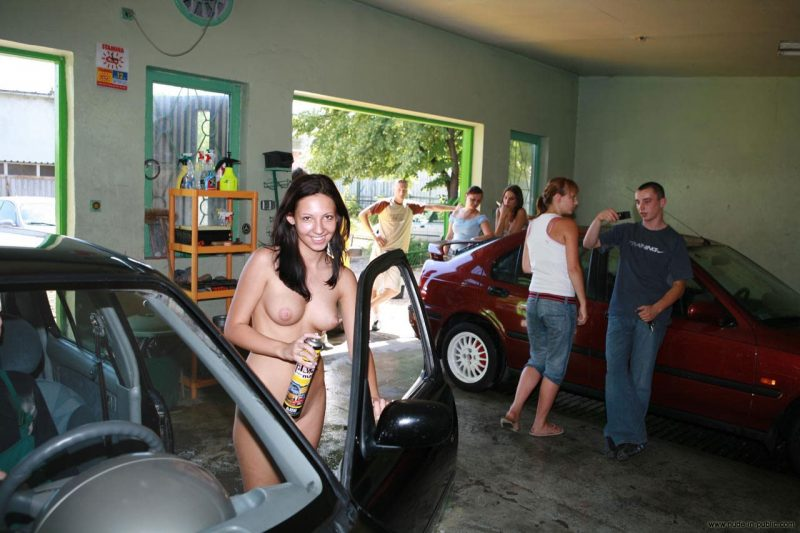 justyna-naked-car-wash-nude-in-public-69