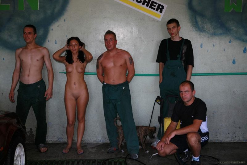 justyna-naked-car-wash-nude-in-public-70