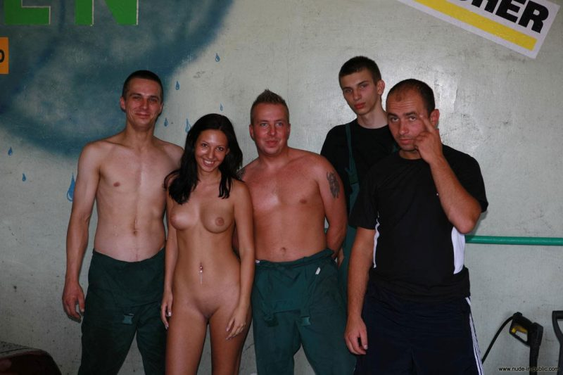 justyna-naked-car-wash-nude-in-public-71