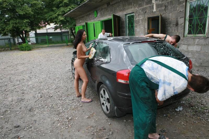 justyna-carwash-nude-in-public-41