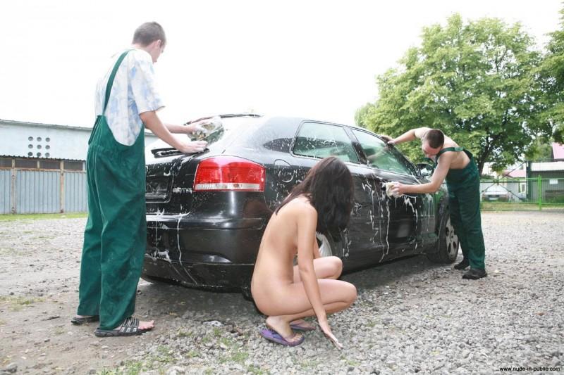 justyna-carwash-nude-in-public-45