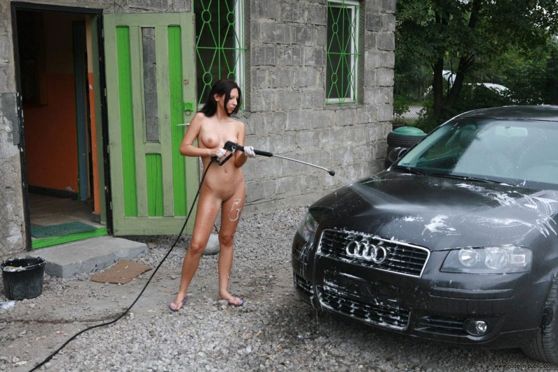 justyna-carwash-nude-in-public-63