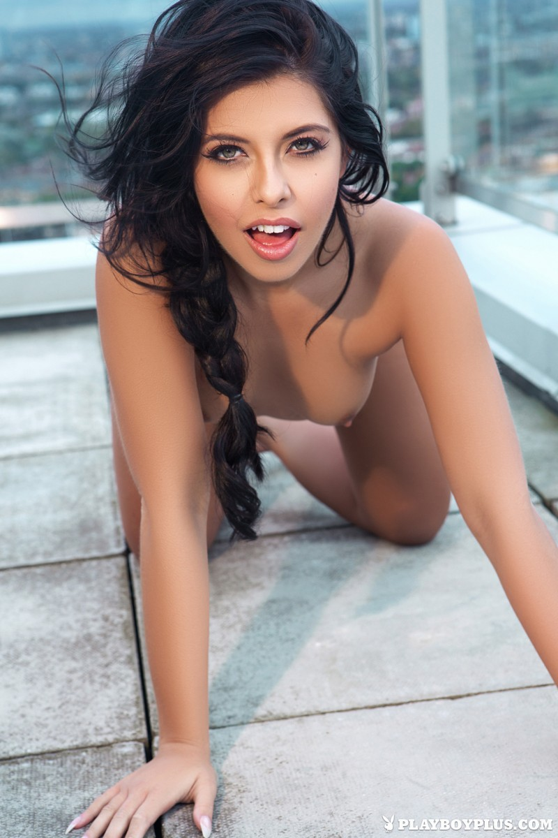 kara-de-la-hoyde-nude-balcony-view-london-playboy-18