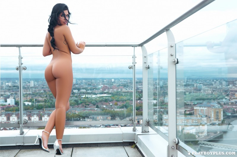 kara-de-la-hoyde-nude-balcony-view-london-playboy-23
