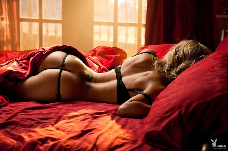 kara-jo-bed-nude-playboy-01