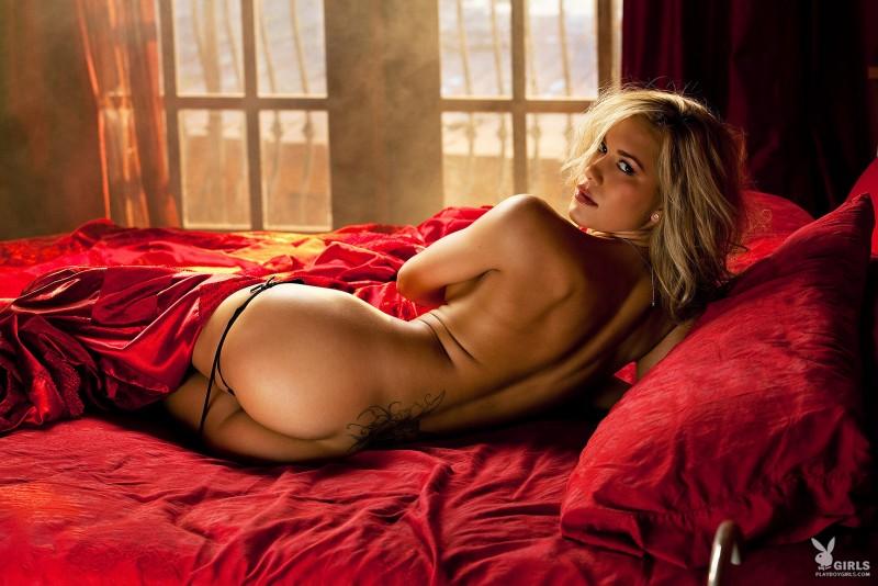 kara-jo-bed-nude-playboy-05