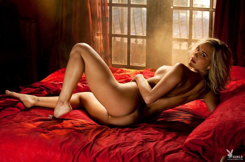 kara-jo-bed-nude-playboy-06