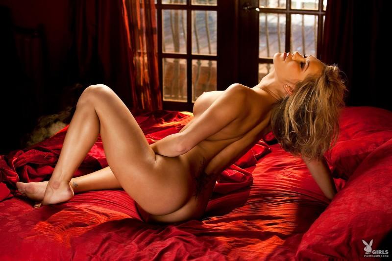 kara-jo-bed-nude-playboy-07