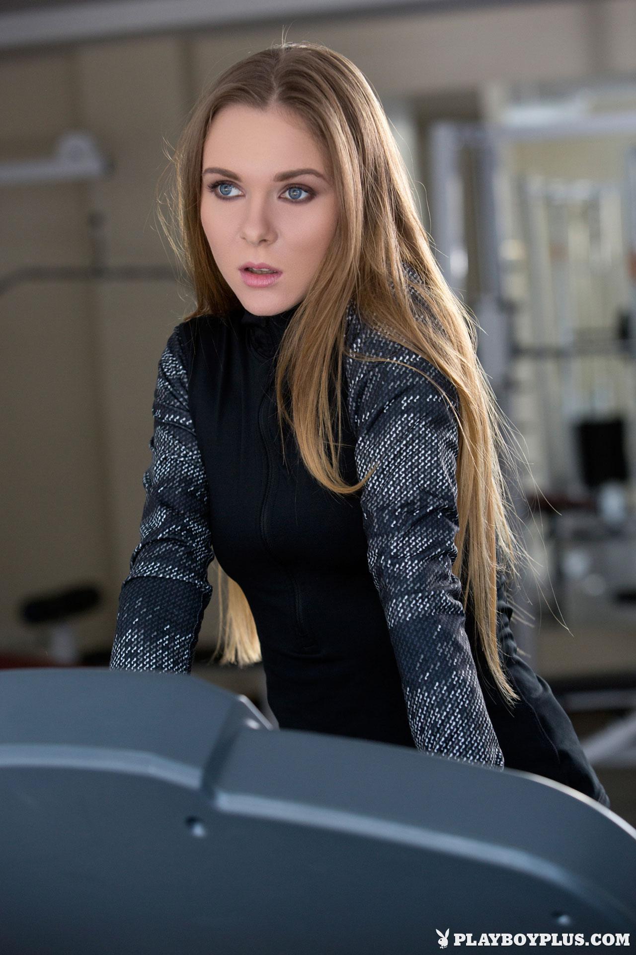 karissa-nude-fitness-gym-playboy-01