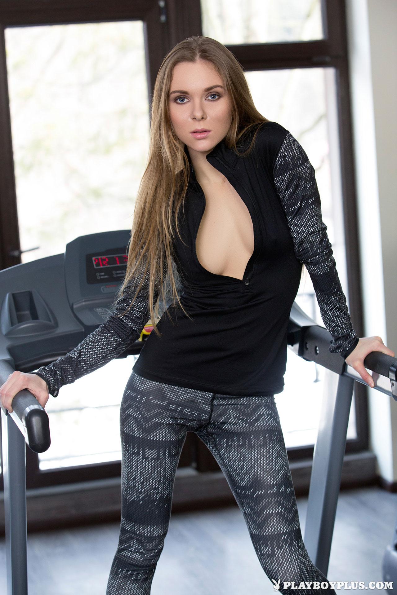 karissa-nude-fitness-gym-playboy-03