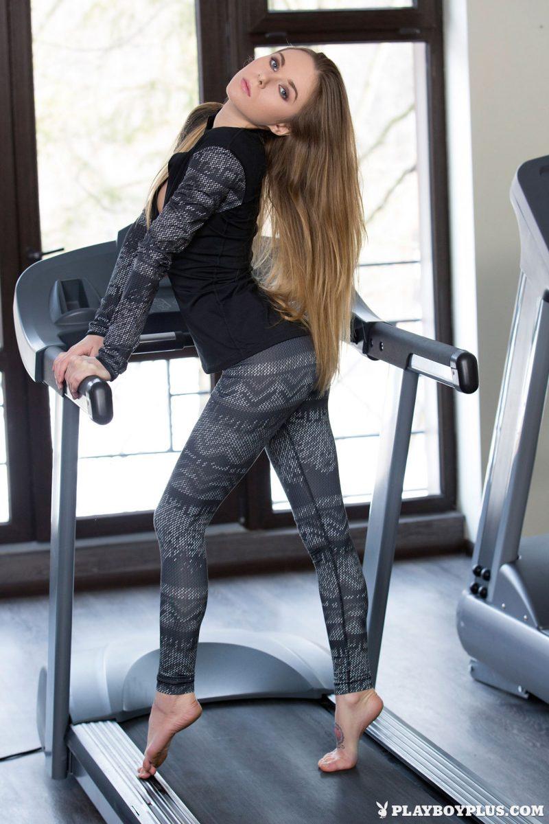 karissa-nude-fitness-gym-playboy-04