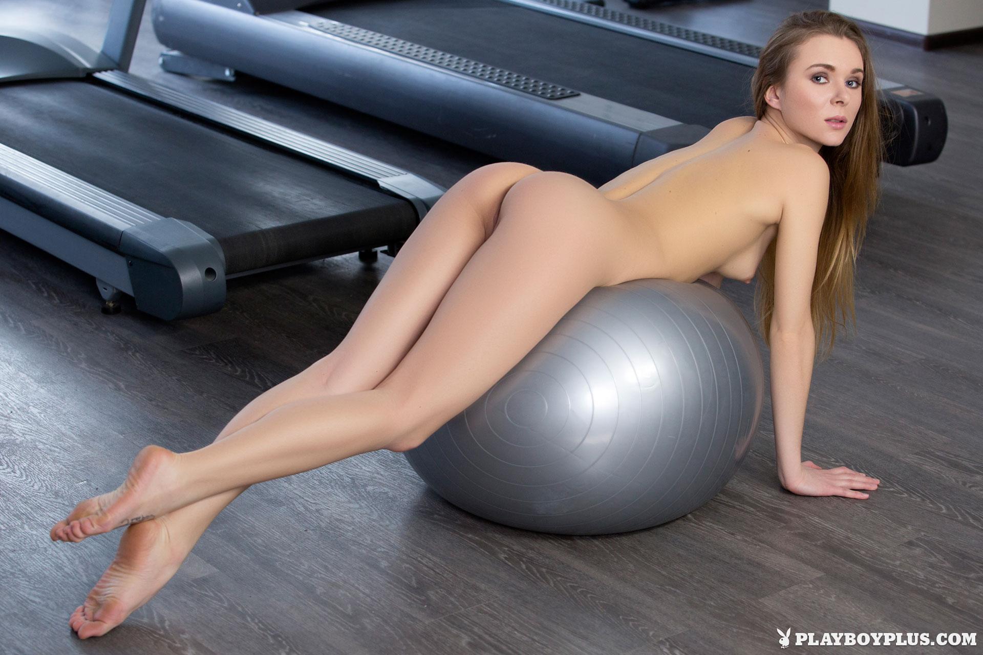 karissa-nude-fitness-gym-playboy-16