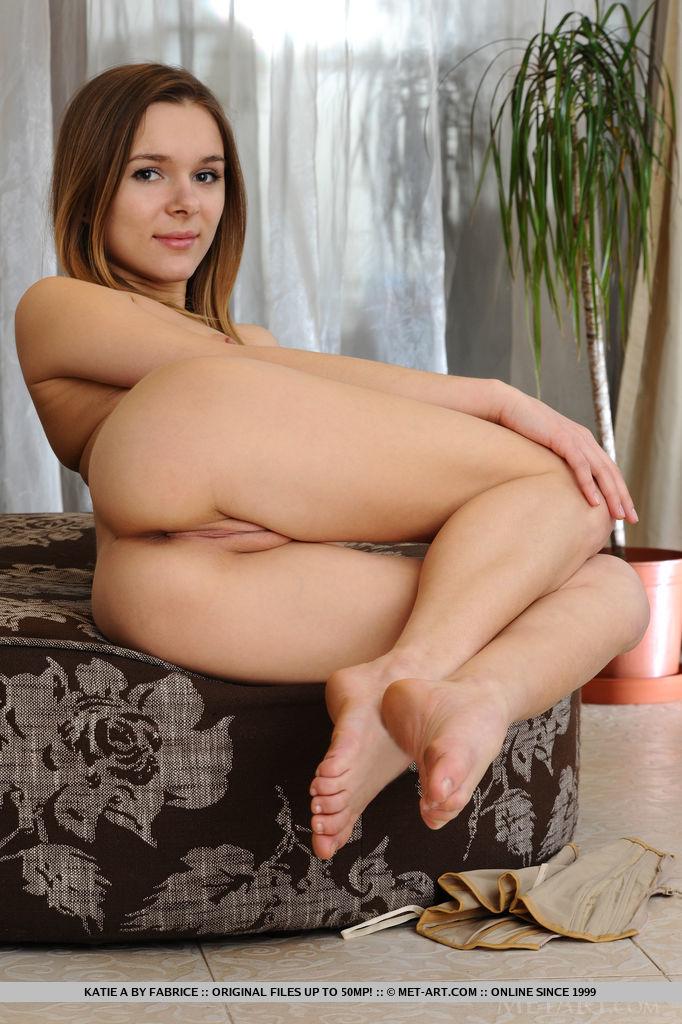 katie-a-nude-corset-skinny-metart-15