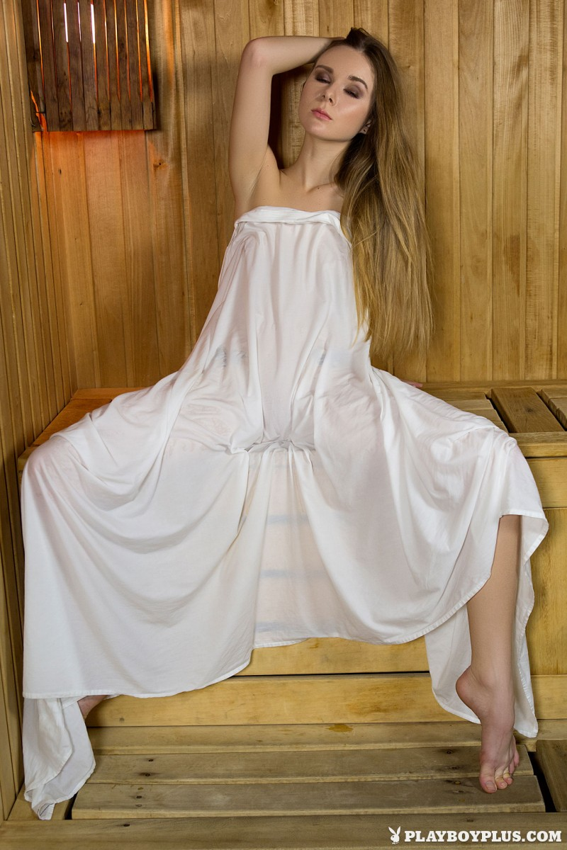 karissa-nude-sauna-playboy-03