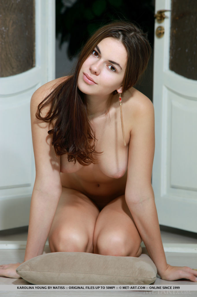 karolina-young-red-bodysuit-nude-metart-11