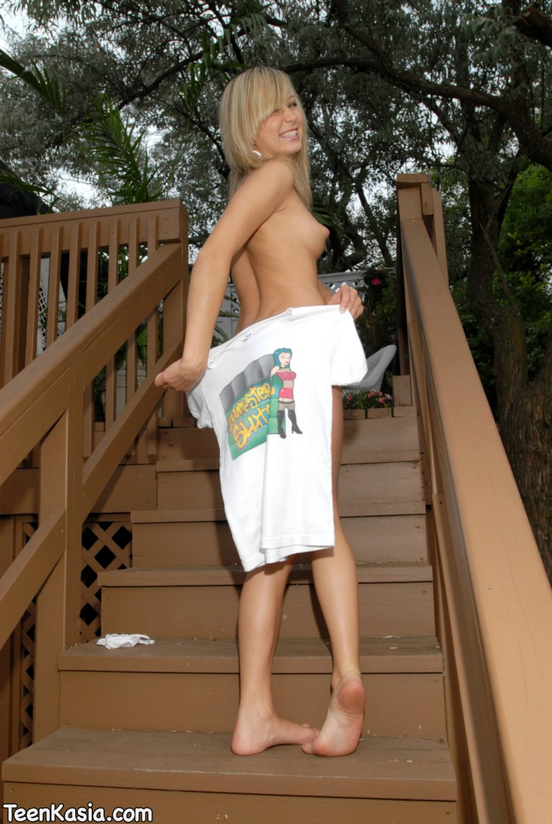 teen-kasia-nude-dumpster-sluts-14