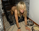 teen-kasia-in-cage-pantyhose