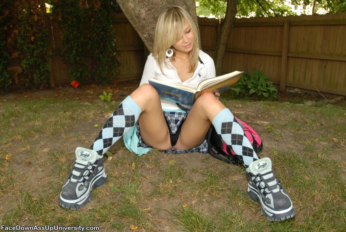 teen-kasia-blonde-skinny-naked-schoolgirl-03