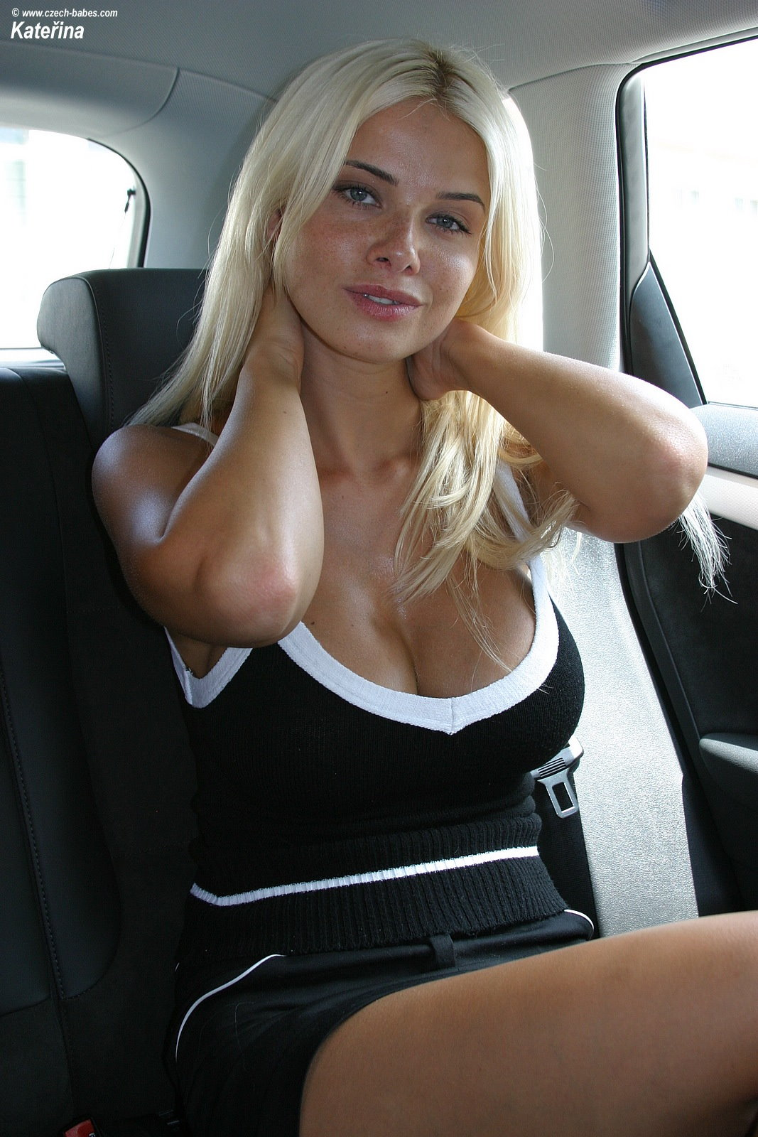 katerina-boobs-car-nude-czech-babes-06