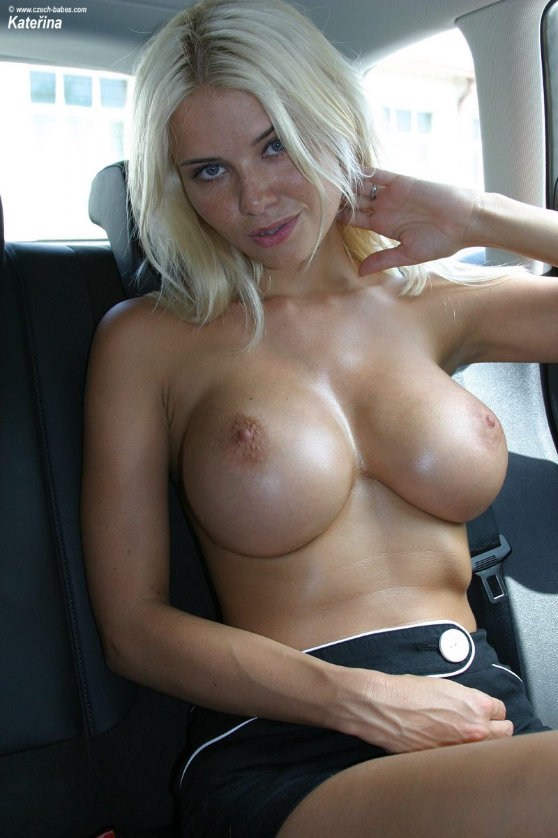 katerina-boobs-car-nude-czech-babes-10