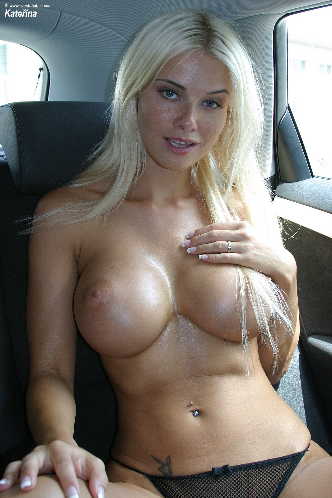 katerina-boobs-car-nude-czech-babes-12