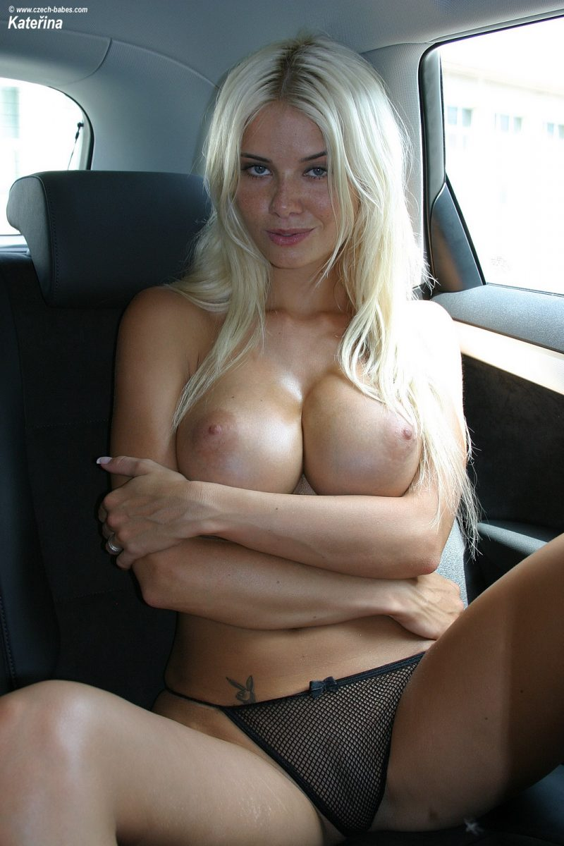katerina-boobs-car-nude-czech-babes-14