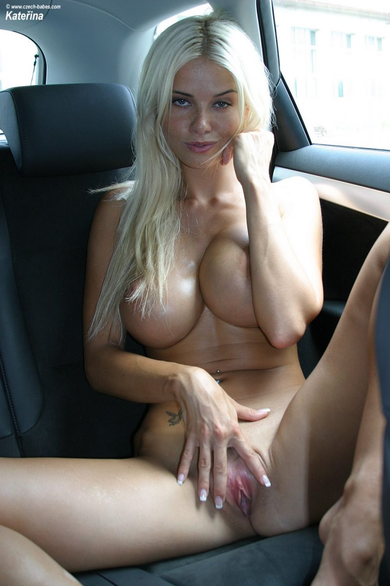 katerina-boobs-car-nude-czech-babes-18
