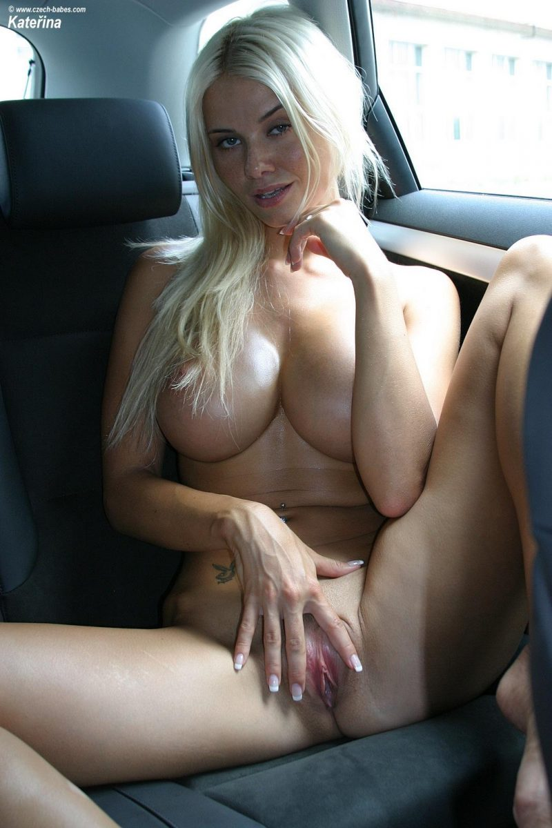 katerina-boobs-car-nude-czech-babes-19