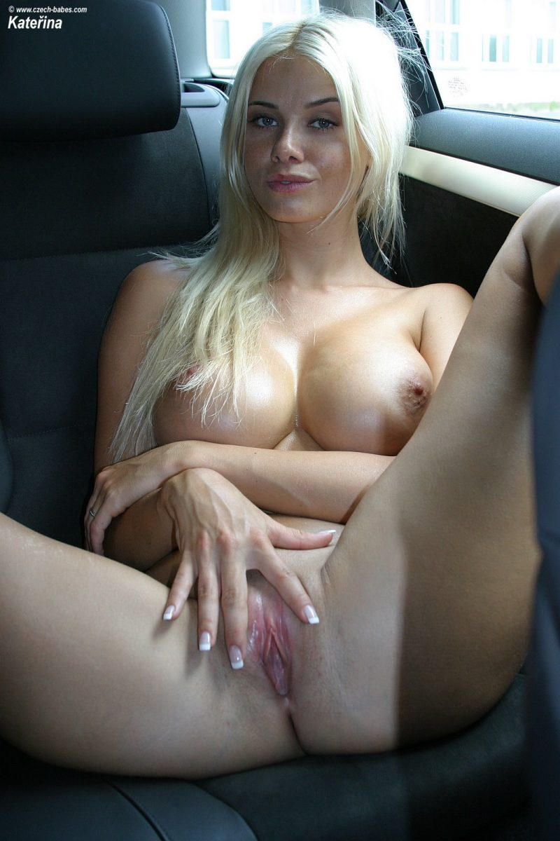 katerina-boobs-car-nude-czech-babes-23
