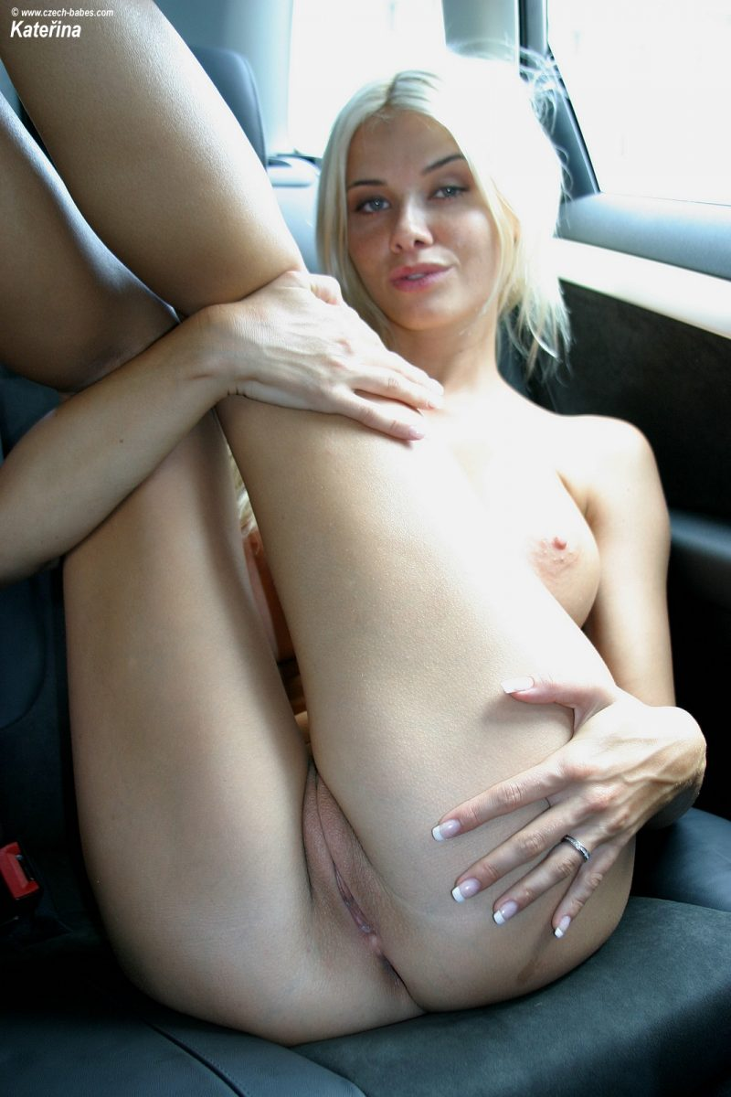 katerina-boobs-car-nude-czech-babes-24