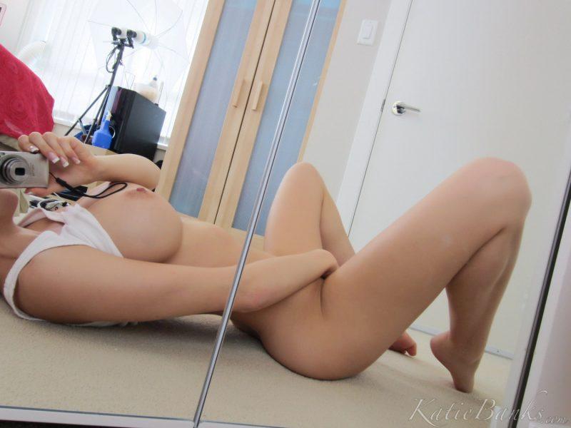 apealing nude having sex photos