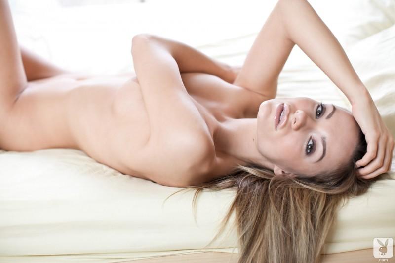 katie-carroll-bedroom-playboy-17