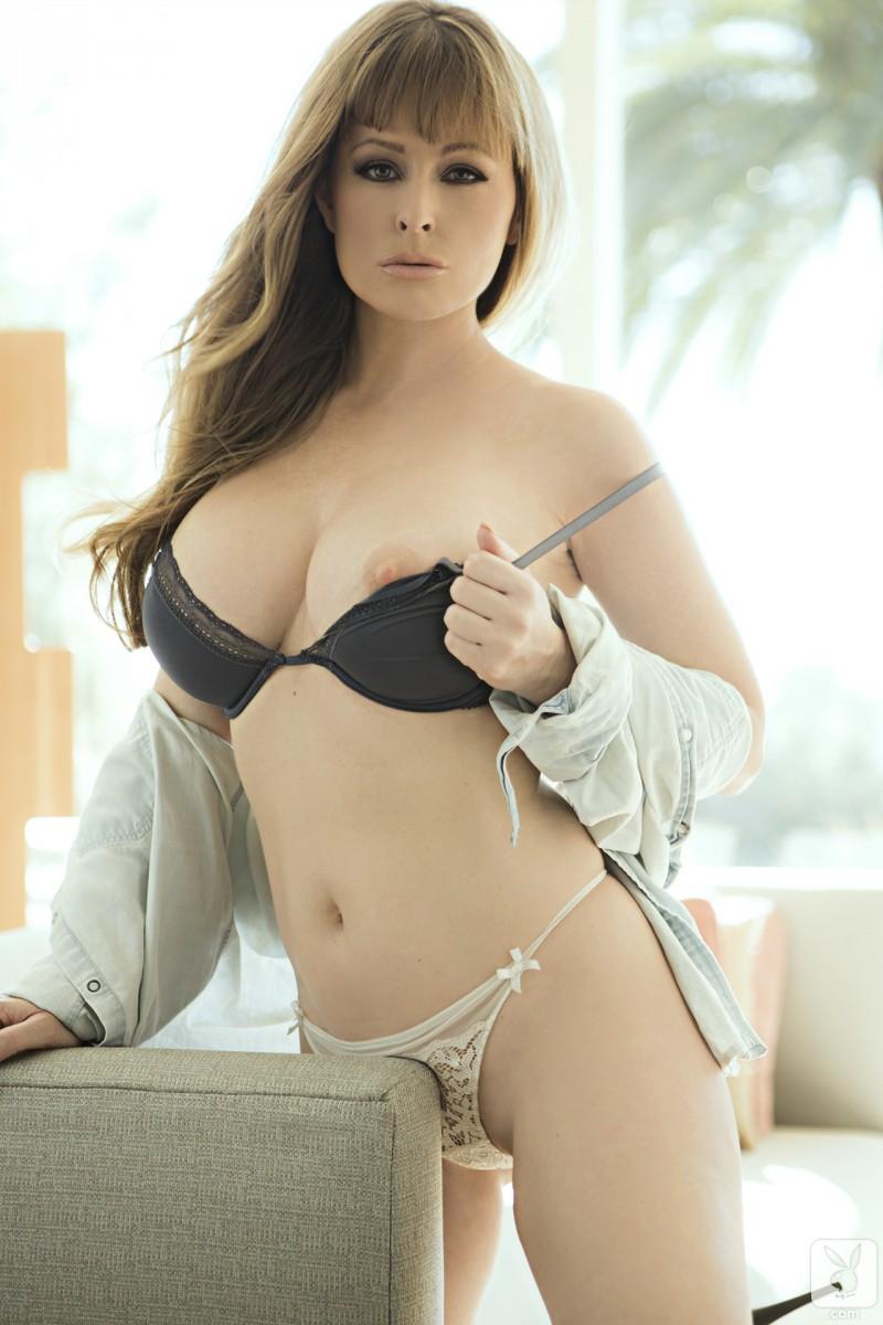 hot nude girls in garters