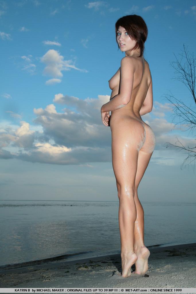 katrin-b-dusk-lake-nude-metart-09