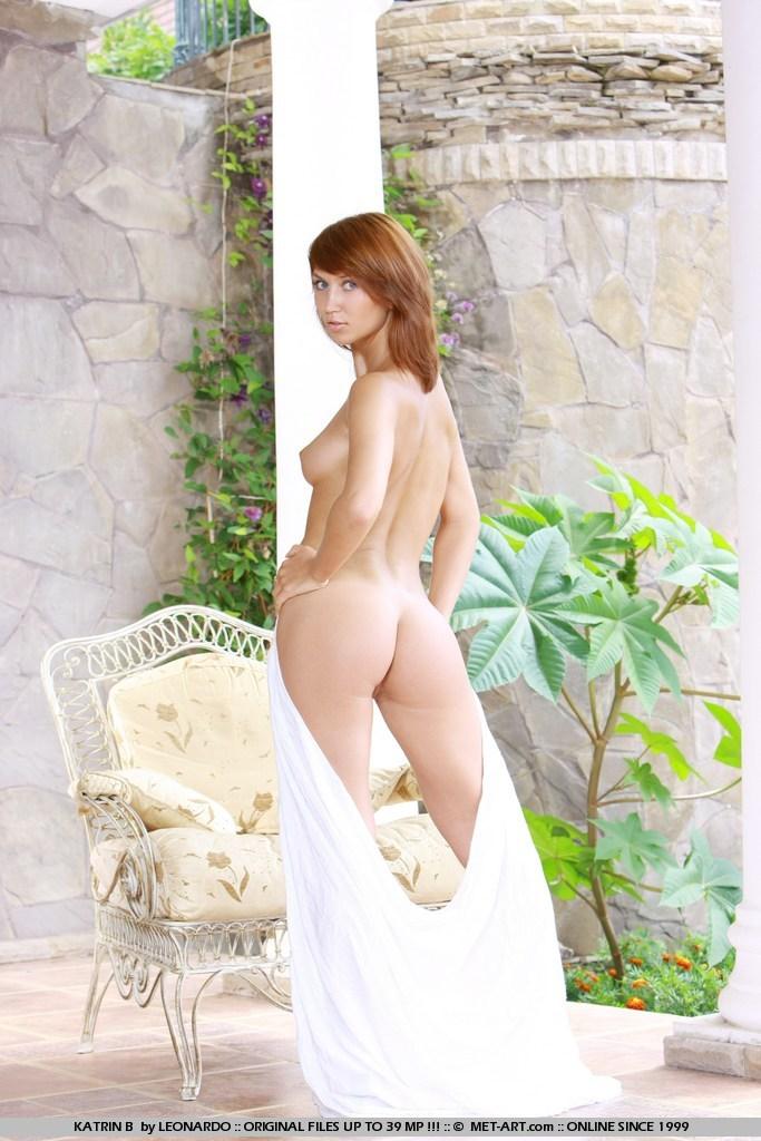 katrin-b-patio-nude-met-art-03