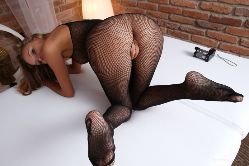 katya-clover-bodystocking-watch4beauty-11
