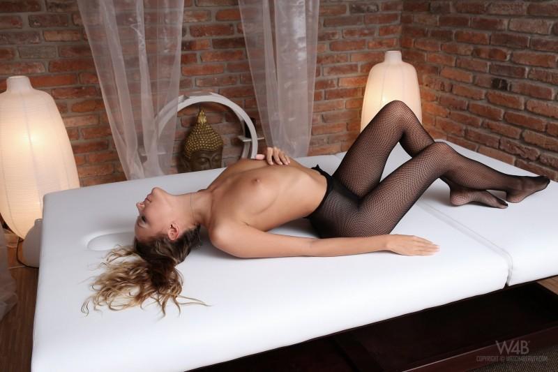 katya-clover-bodystocking-watch4beauty-22