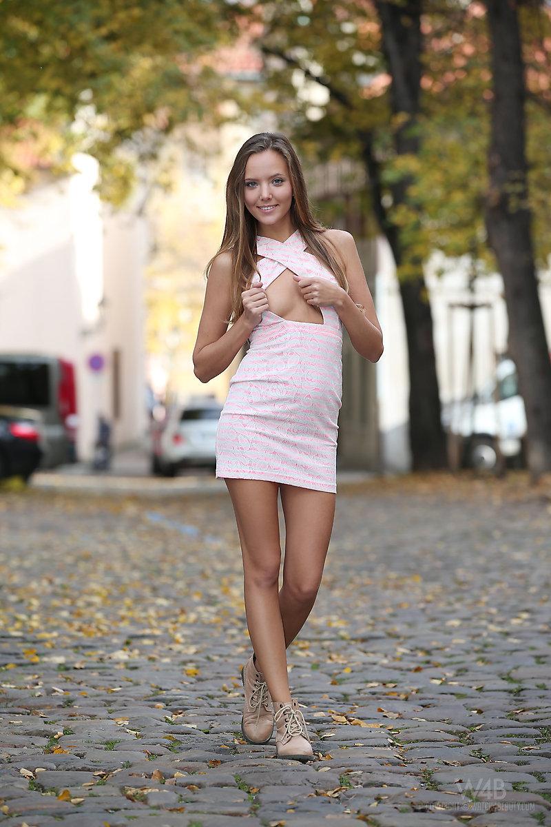 katya-clover-nude-public-watch4beauty-08