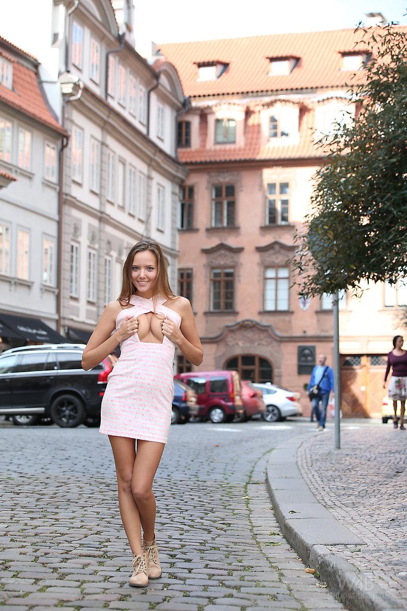 katya-clover-nude-public-watch4beauty-10