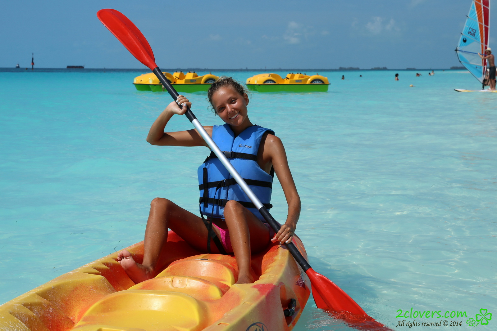 katya-clover-naked-on-sirena-beach-seaside-2clovers-03