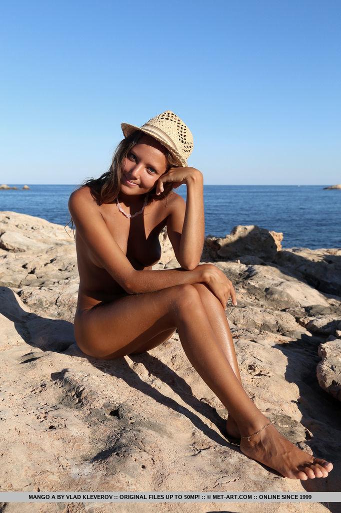 mango-a-nude-holidays-met-art-15