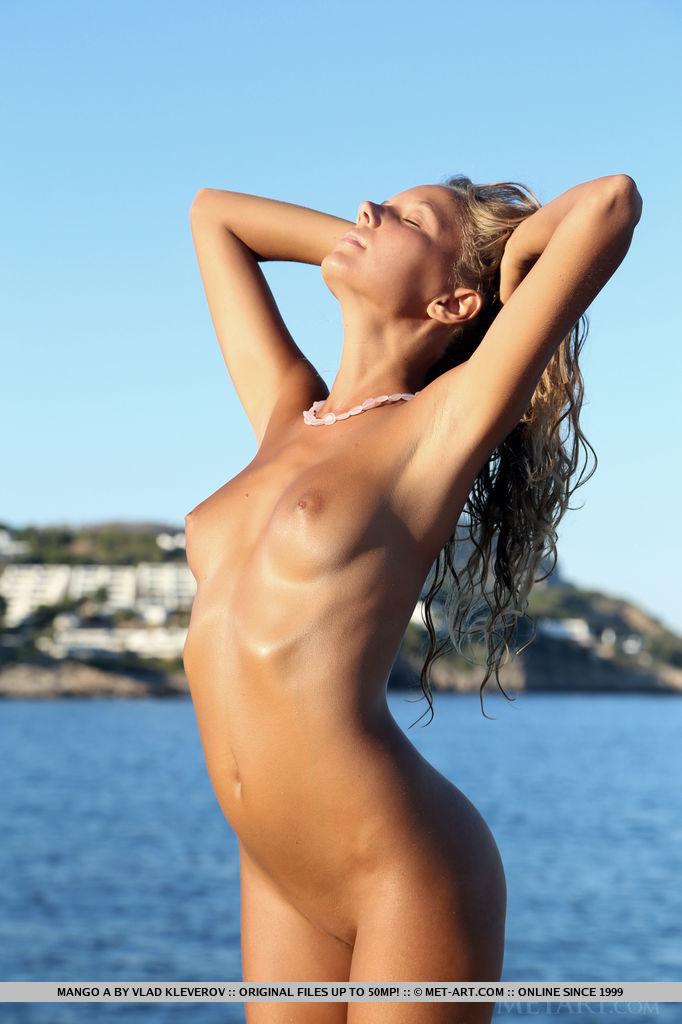 mango-a-nude-holidays-met-art-17